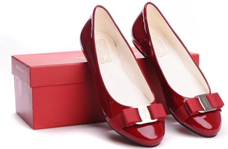 Extends 1 More Day! Up to $600 GIFT CARD Salvatore Ferragamo Handbags & Shoes @ Neiman Marcus