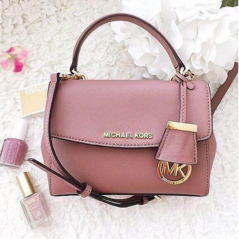 Up to 30% Off Select Full-priced or Sale MICHAEL MICHAEL KORS Handbag Purchase @ Lord & Taylor