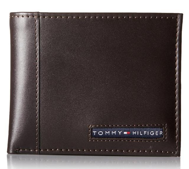Tommy Hilfiger Men's Cambridge Passcase Wallet