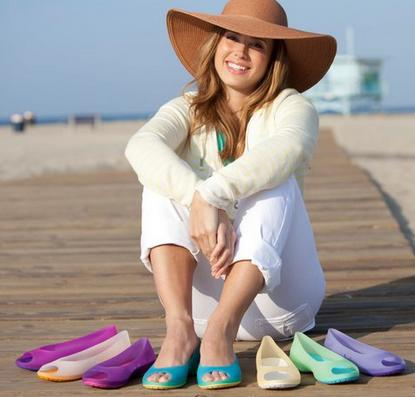 Up to 70% Off + Extra 10% off Crocs Flats For Women and Girls @ 6PM.com