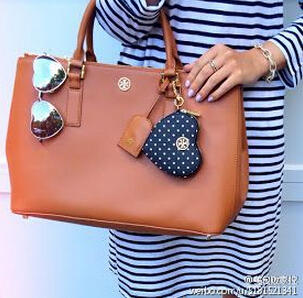 Up to 30% OFF Tory Burch Robinson Collection Tote @ Tory Burch