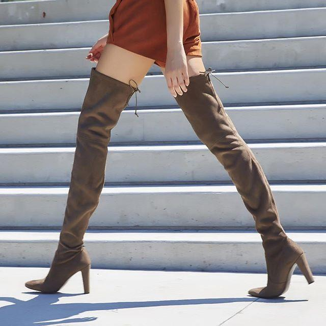25% Off Stuart Weitzman Boots @ Saks Fifth Avenue