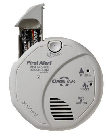 First Alert Interconnected Battery Operated Combination Smoke and Carbon Monoxide Alarm