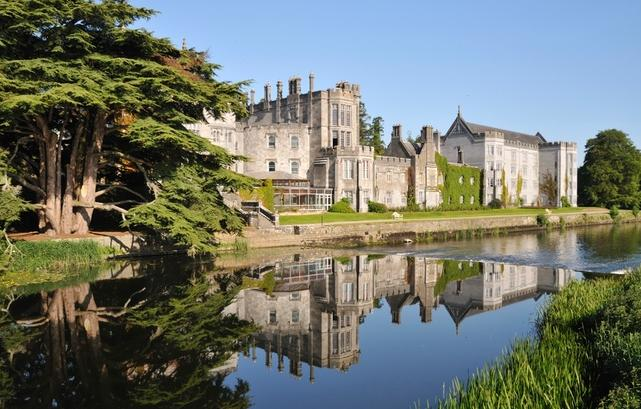$799 Include Airfare 8 Day Trip to Ireland :5-Star Villa Stay+Rental Car @ Groupon