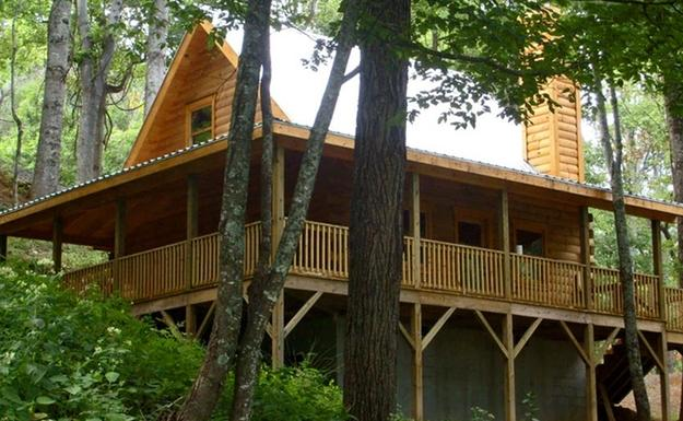 From $225 2 Nights Cabine Stay in the Great Smoky Mountains@ Groupon