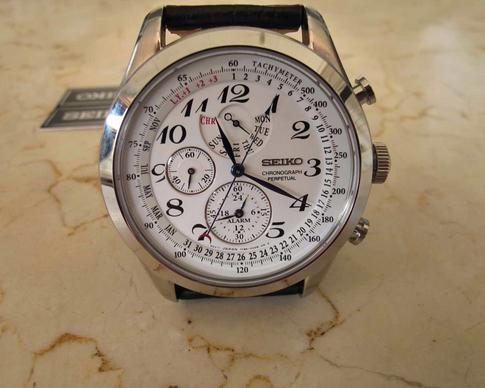 Seiko Neo Classic Alarm Perpetual Chronograph White Dial Black Leather Men's Watch SPC131