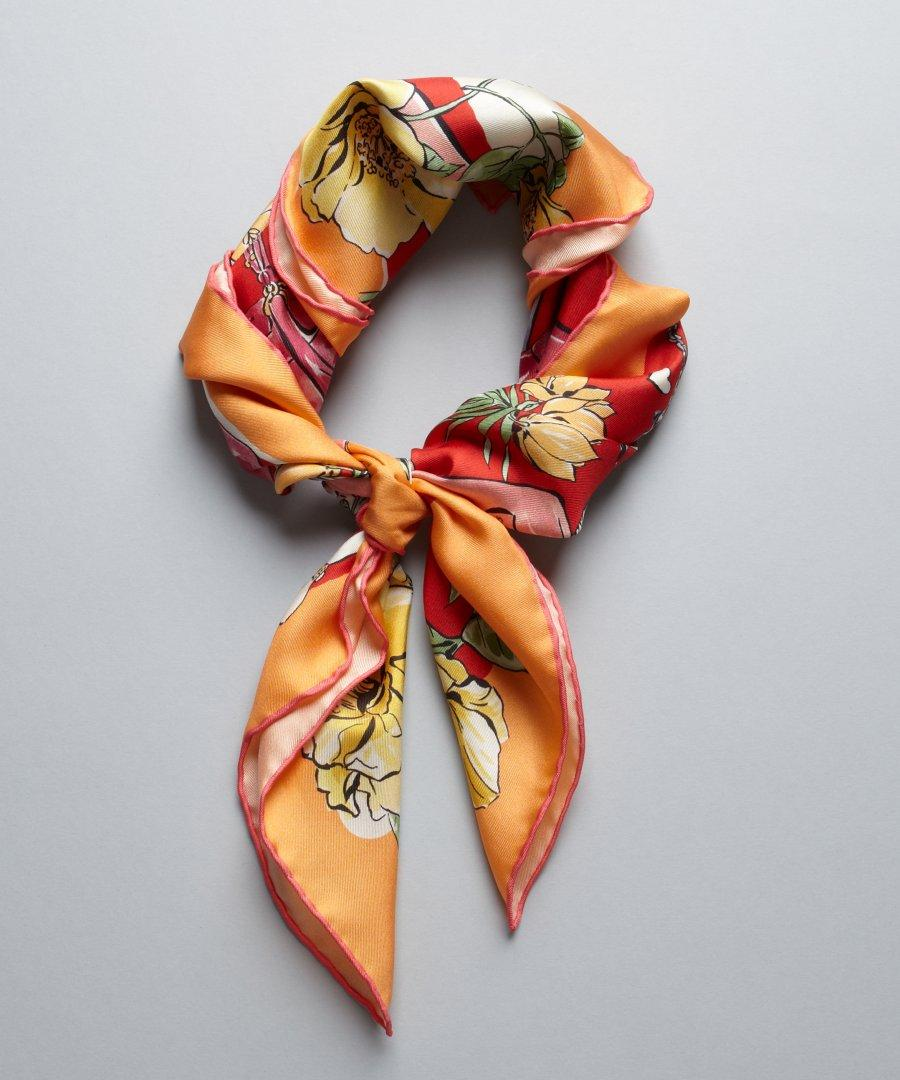 Up to 75% Off Salvatore Ferragamo,Tom Ford,Versace Silk Scarves @ MYHABIT