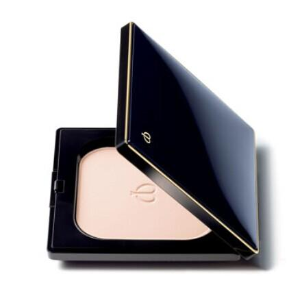 Cle de Peau Beaute  Refining Pressed Powder @ Bergdorf Goodman