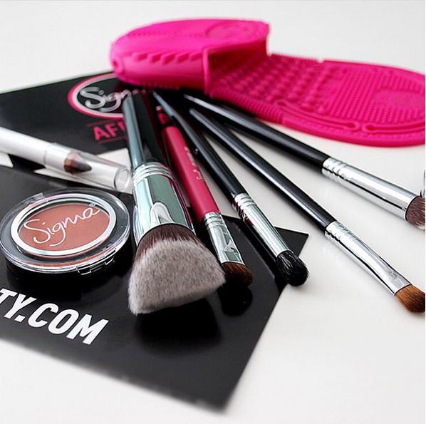 20% Off Sigma Make-up Tools @ B-Glowing