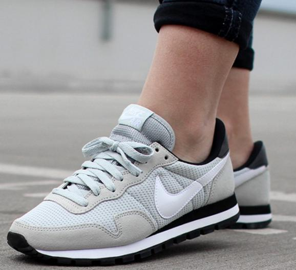 Nike Air Pegasus '83 Women's Shoes On Sale @ 6PM.com