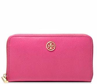 ROBINSON ZIP CONTINENTAL WALLET @ Tory Burch