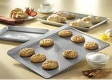Best seller! Farberware Nonstick Bakeware 3-Piece Cookie Pan Value Set