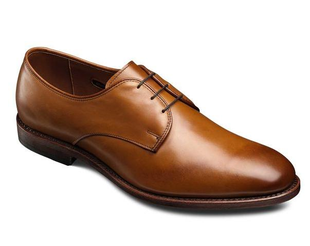 Men's Thomastown Plain Toe Dress Shoe in Walnut or Brown