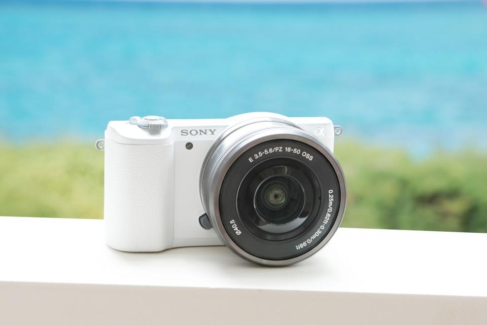 Sony Alpha a6000 Mirrorless Digital Camera with 16-50mm Power Zoom Lens