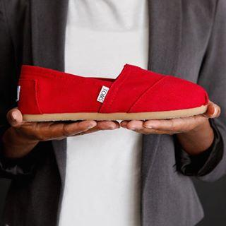 Up to 25% Off + Extra 10% Off + Free Shipping Select Items Sale @ TOMS