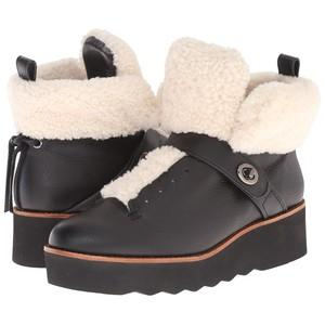 URBAN hiker shearling @ Coach