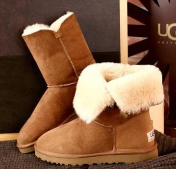 $114.95 UGG Women's Bailey Button Boot @ Amazon