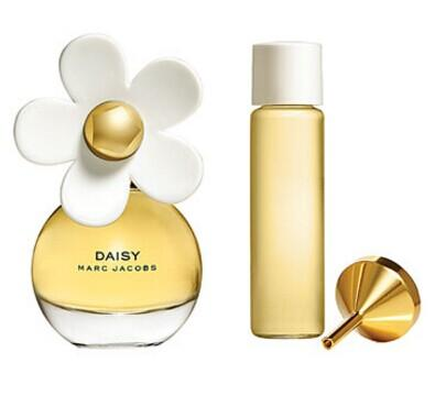 MARC JACOBS 'Daisy' Eau de Toilette Purse Spray with Refill @ Nordstrom