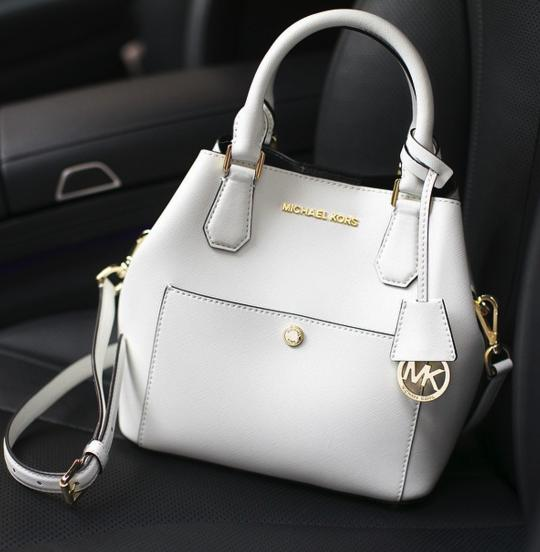 Up to 63% Off + Up to $200 Off Greenwich Lether Satchel Sale @ Michael Kors
