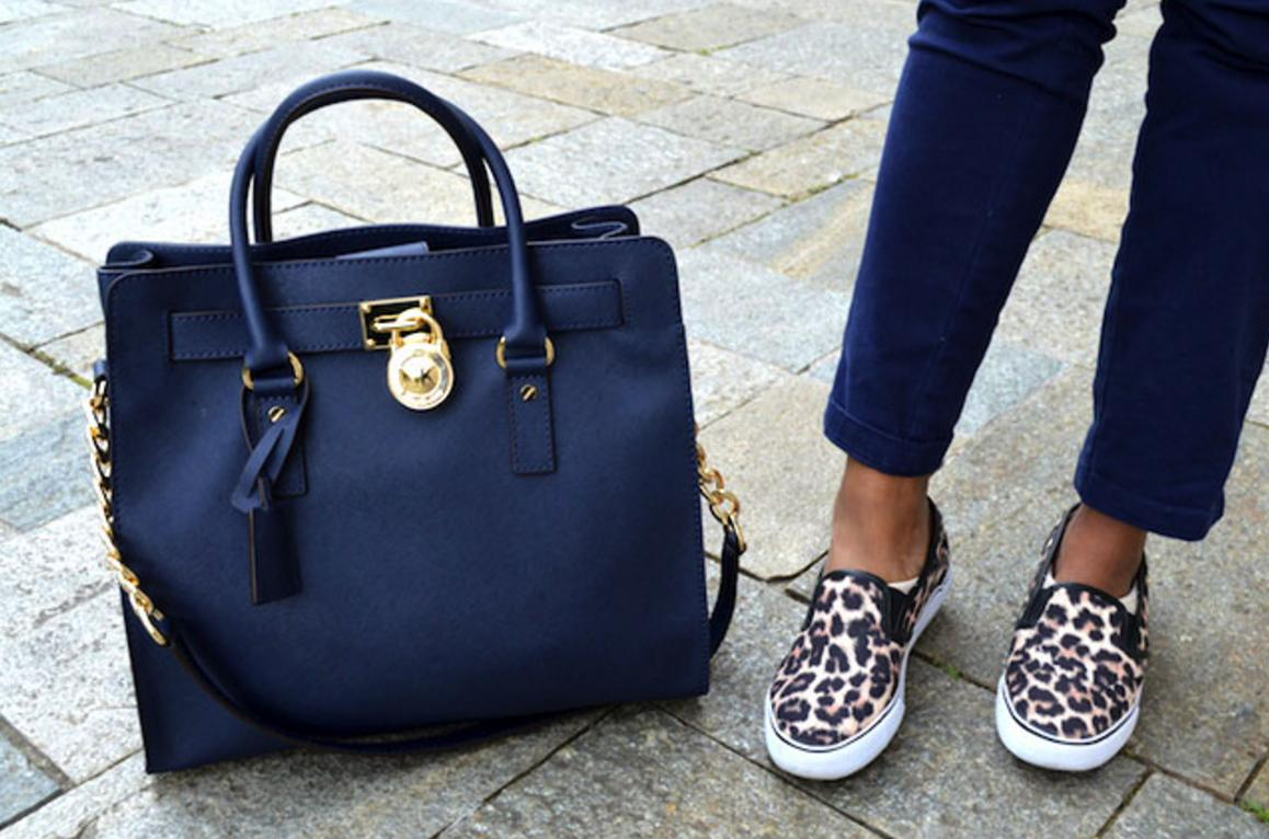 Up to 63% Off + Up to $200 Off Hamilton  Lether Handbags Sale @ Michael Kors
