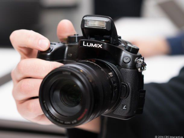 $879.00 Panasonic Lumix DMC-GH4 Mirrorless Digital Camera Body Black
