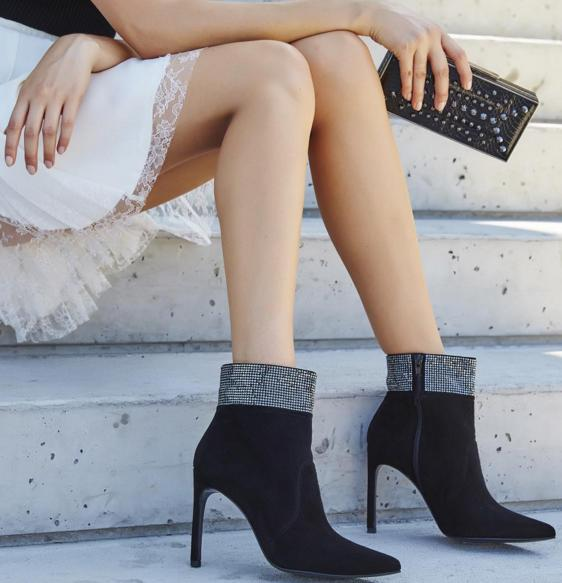 Up to 65% Off Stuart Weitzman On Sale @ Hautelook