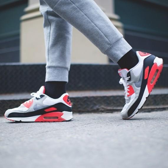 Up to 50% Off Select NIKE Air Max Shoes @ FinishLine.com