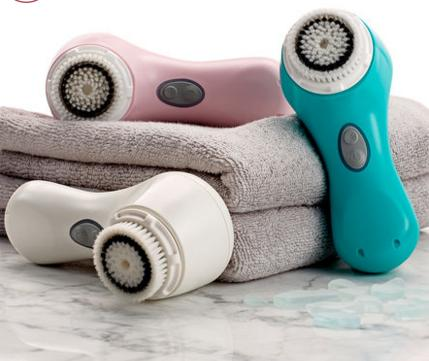 FREE $45 Value Gift of a Brilliant Travel Bag and 6oz Gentle Hydro Cleanser With Purchase of Mia FIT @ Clarisonic
