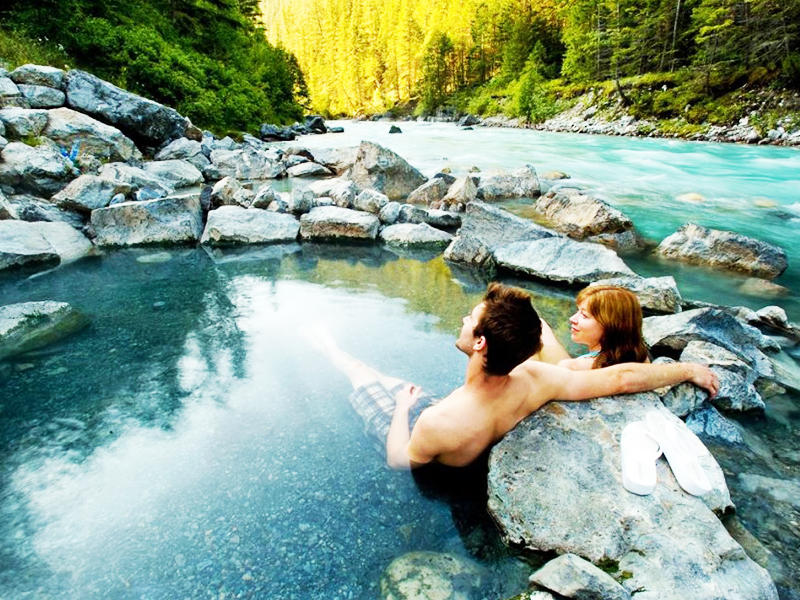 $20 Off + Free Hot Spring Experience Usitrip Winter Special Canada Travel Packages Sale @ Usitrip.com