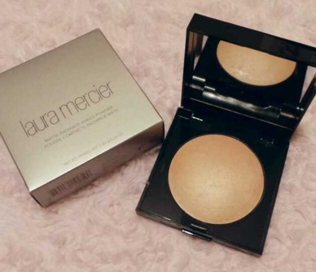 Laura Mercier 'Matte Radiance' Baked Powder @ Bergdorf Goodman