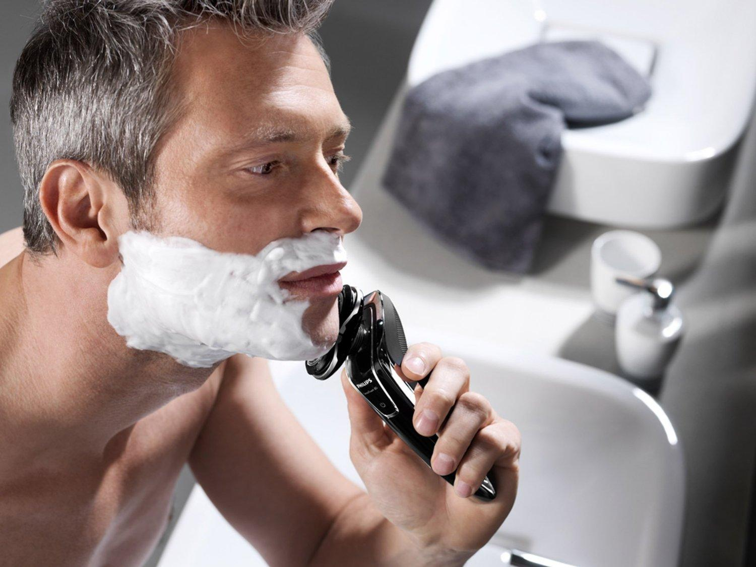 $119.99 LGHTNING DEAL! Philips Norelco 1280X/86 Shaver 8900