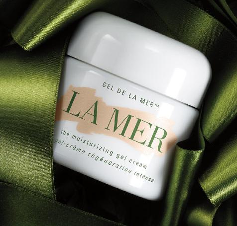 Receive Complimentary Overnight Shipping + exclusive sample of The Hand Treatment with any online purchase @ La Mer