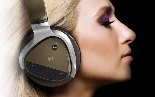 Creative Aurvana Platinum Wired/Wireless Headset