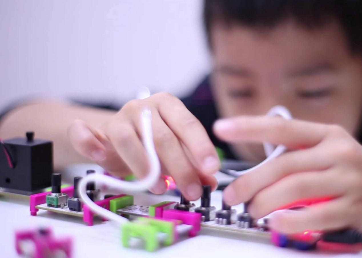 Up 35% Off littleBits Electronic Kits @ Amazon.com