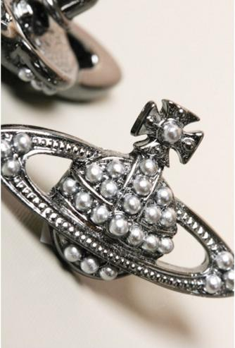 Up to 70% Off Vivienne Westwood Jewelry @ 6PM.com