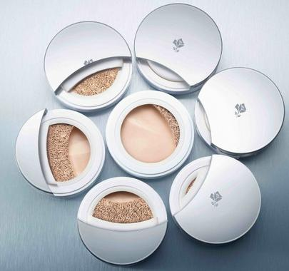 $37.2 + 2 Free Deluxe Samples Lancome MIRACLE CUSHION @ Lancome