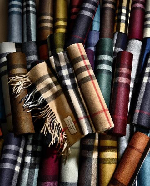 Up to 25% Off + Extra 33% Off Select Burberry Scarves @ Neiman Marcus