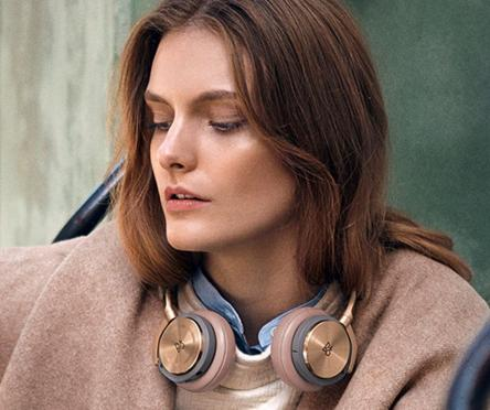 $405 B&O PLAY by BANG & OLUFSEN - BeoPlay H8 Wireless ANC Headphones