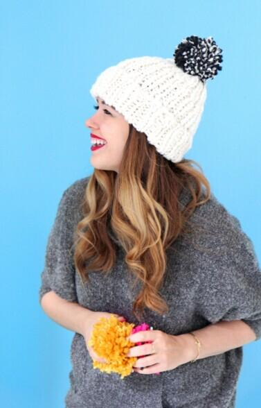 Extra 60% Off Women's Winter Accessories @ American Eagle