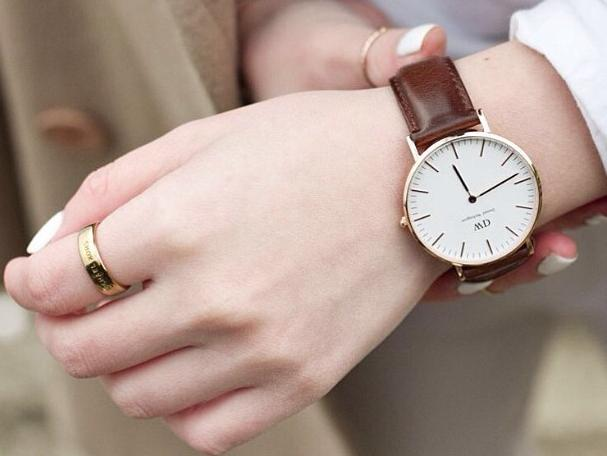 Daniel Wellington Women's 0507DW Classic St. Mawes Stainless Steel Watch with Brown Band @ Amazon