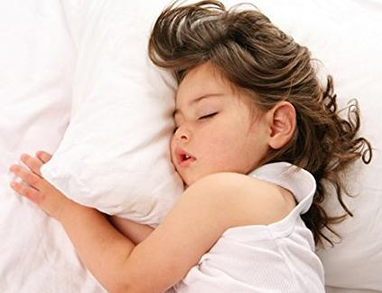 Toddler Pillow WITH PILLOWCASE by Dreamtown Kids @ Amazon