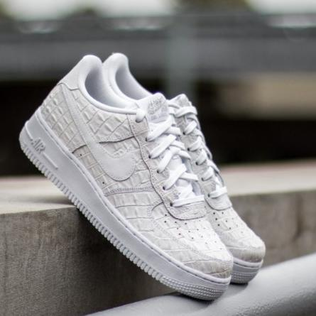 $76.49 Men's Nike Air Force 1 Low Casual Shoes