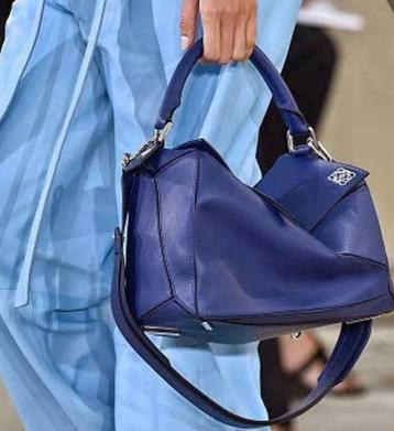 Up to $275 Off LOEWE Handbags Sale @ Saks Fifth Avenue