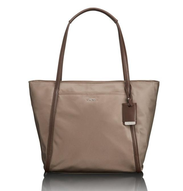 Lowest price! Tumi Voyageur Small Q-Tote