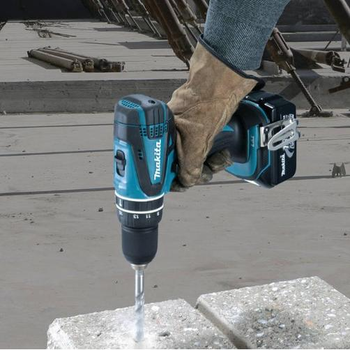 Makita XT250 LXT 18V Cordless Lithium-Ion 1/2 in. Hammer Driver-Drill and Circular Saw Kit with Two 3.0Ah Batteries