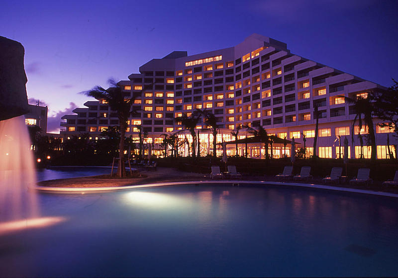 Up to 40% off Hotel Sales