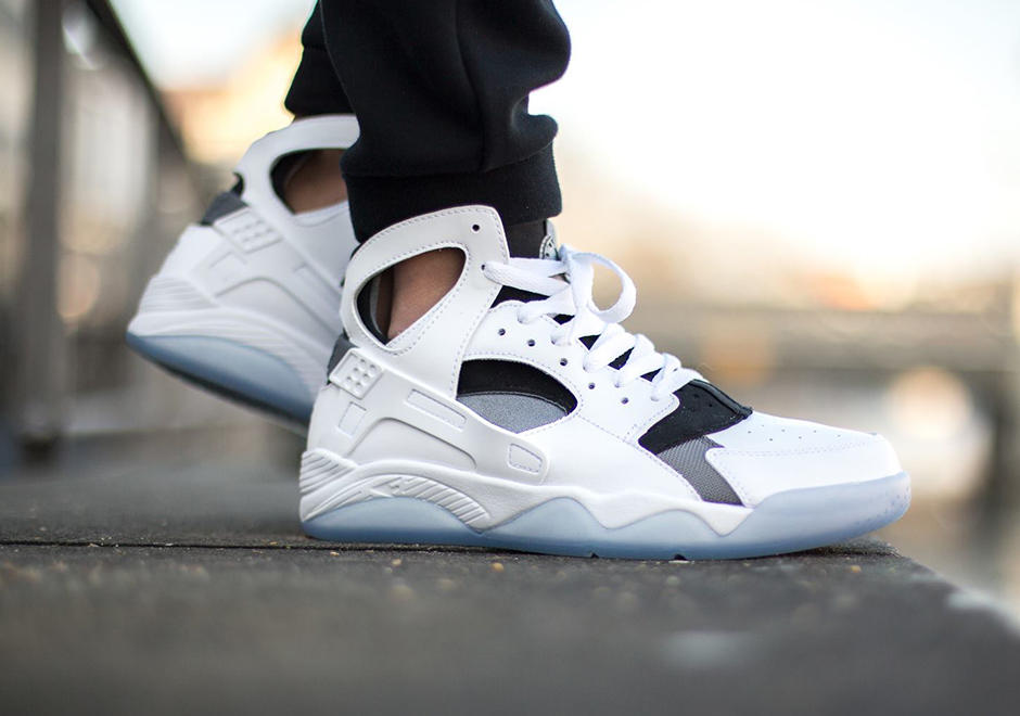 As low as $59.98 Mens Nike Air Flight Huarache Off Court Shoes