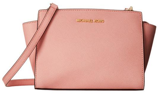 MICHAEL Michael Kors Medium Selma Messenger On Sale @ 6PM.com