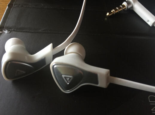 Monster DNA In-Ear Headphones, White