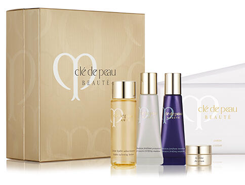 Free 6 Pc Gift + 2-Day Shipping with $300+ Purchase @Cle de Peau Beaute